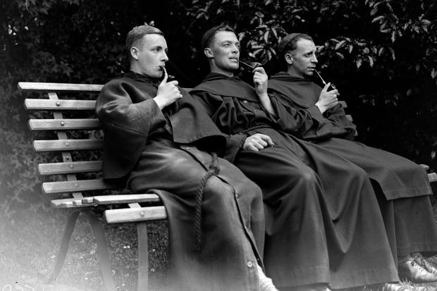 smoking-monks